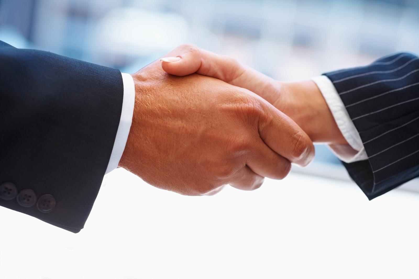 handshake-1600px